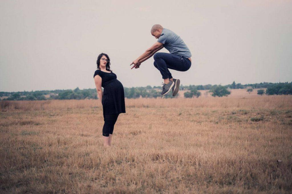 Freund mit Schwangerschaft überraschen